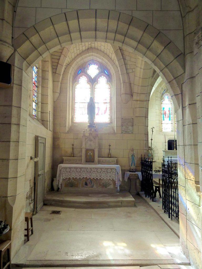 Bas-côté Nord, vue dans la chapelle de la Vierge