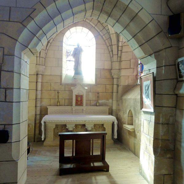 Bas-côté, vue dans la base du clocher