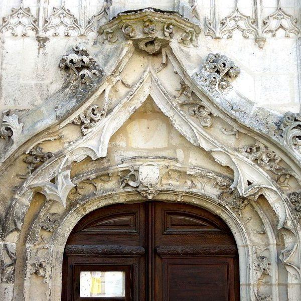 Archivolte et accolade du portail